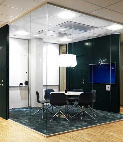 Mid-level-Huddle-Room
