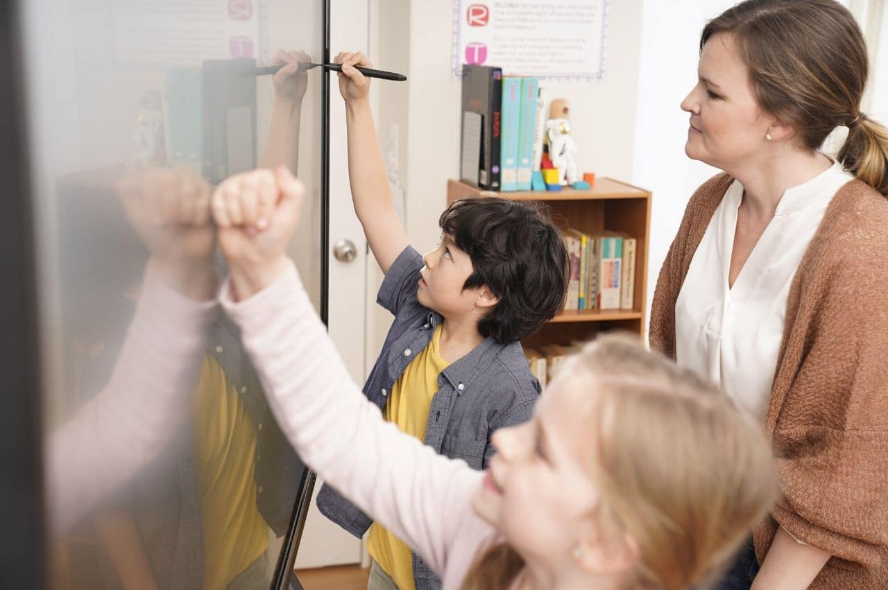 STUDENT ENGAGEMENT IN THE MODERN CLASSROOM