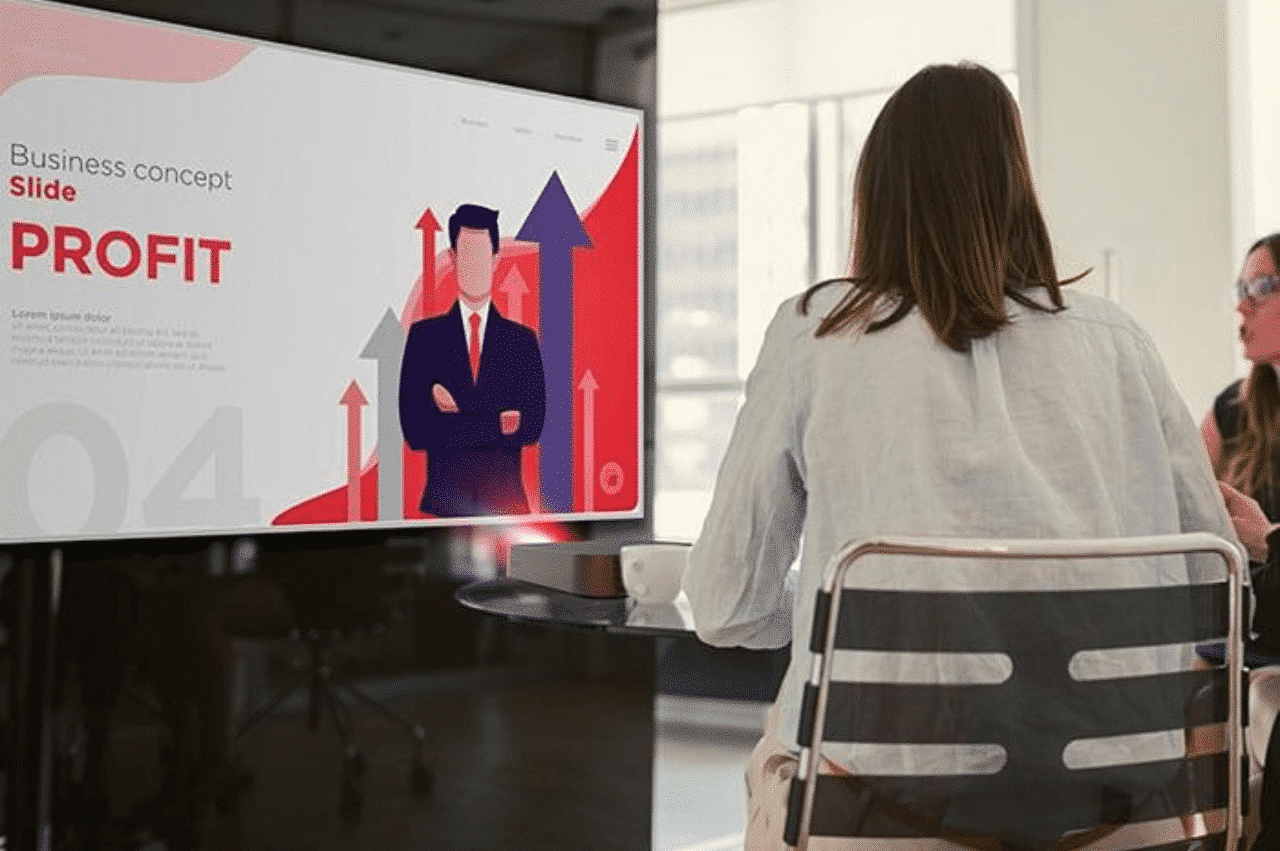 How to Choose a Presentation Display for Your Meeting Space - Projector meeting space